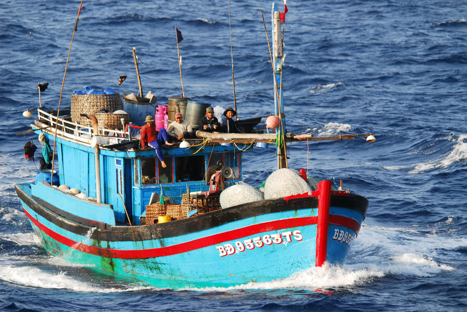 fishing practices of the philippines Critical result 2: illegal and destructive fishing practices stopped illegal fishing in municipal waters has resulted in relatively small economic gains to a few individuals and large economic losses to the majority of coastal stakeholders.
